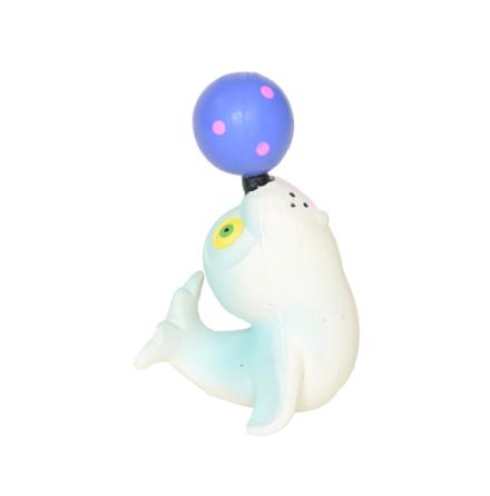 Lanco badsäl med boll på nosen i naturgummi, helgjuten