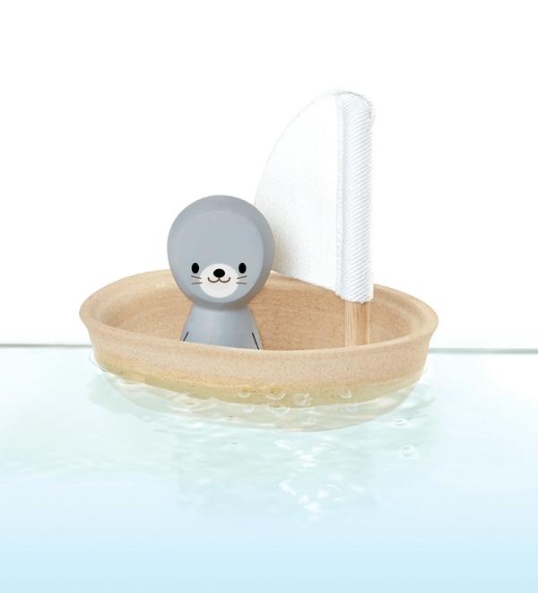 PlanToys segelbåt i trä med säl