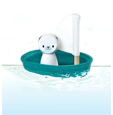 PlanToys segelbåt i trä med isbjörn